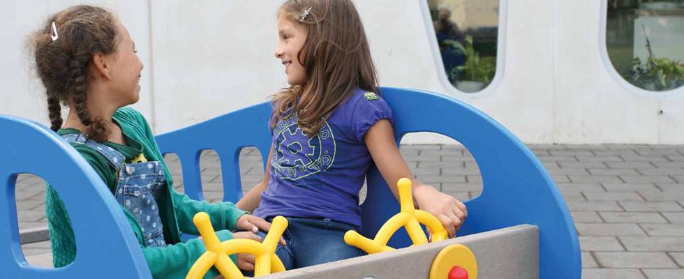 Zaigran i pun boja - predstavljamo Govaplat program dječjih igrališta od reciklirane plastike.